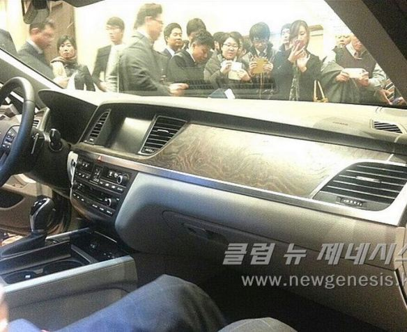 2015 Hyundai Genesis Bob Sison AutoPulse private viewing korea interior